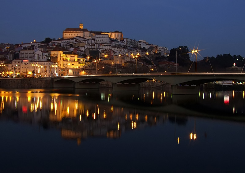 coimbra muslim Powerpoint presentation: the city, located over a hill by the mondego river, was called aeminium in roman times the moors occupied coimbra around the year 711, turning it into an important commercial link between the christian north and muslim south.